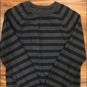 Men's Banana Republic stripped crewneck sweater